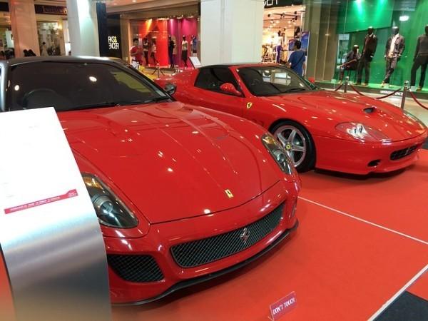 Ferrari corre a Piazza Affari, utile più che raddoppiato nel quarto trimestre