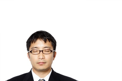 La Borsa di Tokyo chiude poco mossa, rimbalzone di Toshiba