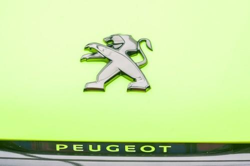Peugeot fa il pieno di utili e torna al dividendo
