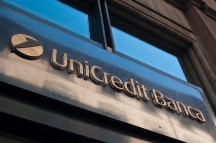 UniCredit, via all'aumento di capitale con sconto del 38%