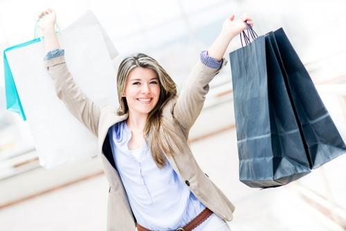 USA: La fiducia dei consumatori sale ai massimi da luglio 2001