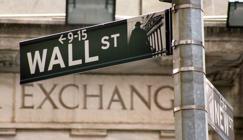 Wall Street apre in leggero ribasso, debole il settore high-tech