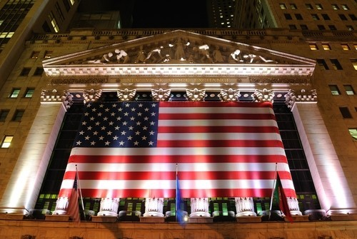 Wall Street: Decimo record per il Dow Jones, Nasdaq ancora in calo