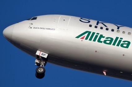 Alitalia, inizio 2017 incoraggiante, piano industriale entro fine settimana