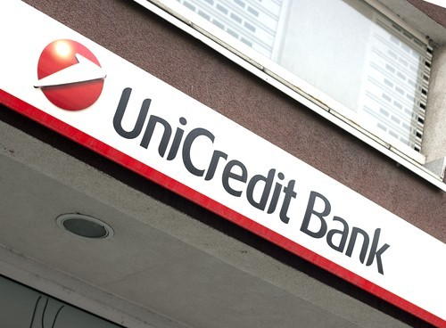 Azioni Unicredit oggi sono buy: possibile consolidamento del trend rialzista
