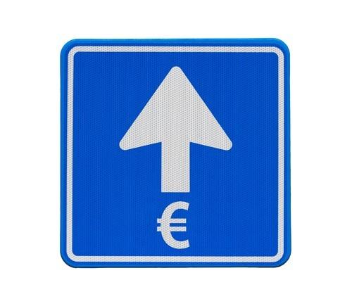 Forex: L'euro sale sul dollaro ai massimi da un mese