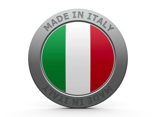 Il settore manifatturiero italiano accelera, vola l'occupazione