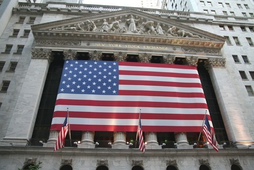 Wall Street chiude in lieve rialzo, Snap estende il suo rally