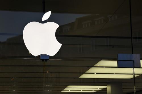 Azioni Apple a picco sul Nasdaq: allert Goldman Sachs sui titoli tecnologici
