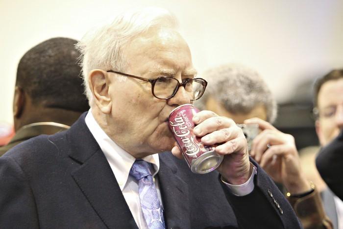 Warren Buffett dove investe in questo periodo? Dritte utili anche per il CFD Trading