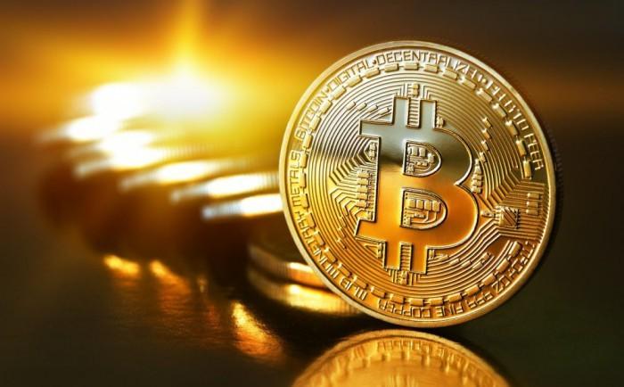 Bitcoin: arrivano le banconote