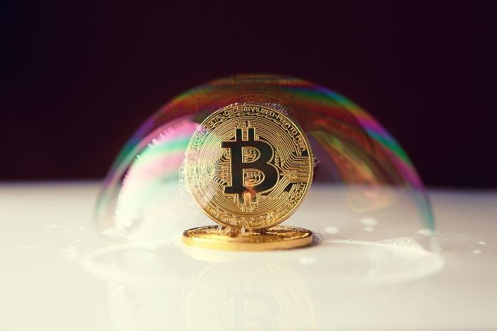 Bitcoin, arriva l'allert morbido di Buffett e Dimon: sul BTC