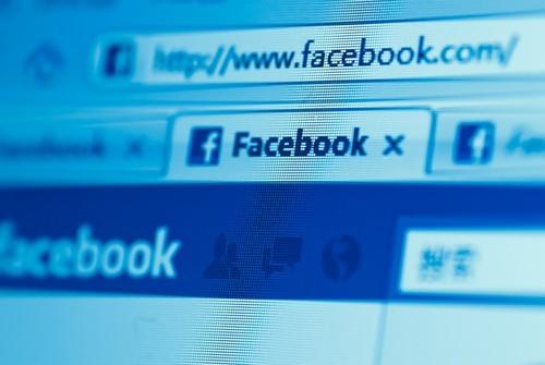 Crollo Azioni Facebook: segnali pre-market, oggi conviene comprare a questi prezzi?