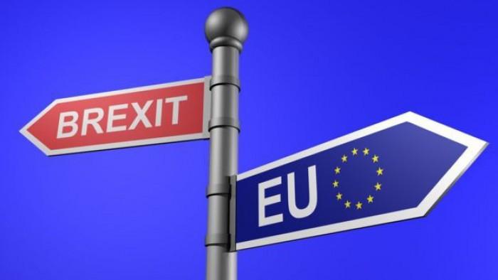 Quotazione Sterlina: tonfo GBP/USD nasconde terrore per rinvio accordo su Brexit