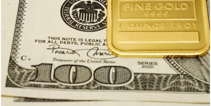I prezzi dell'oro stanno salendo mentre la quotazione Dollaro diminuisce