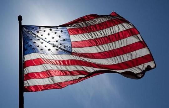 Sussidi di disoccupazione USA: ulteriore calo. Cresce l'indice FED di Philadelphia
