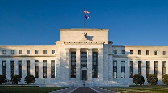 USA: curva dei rendimenti piatta, la Fed alzerà i tassi di interesse