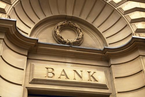 Cosa è la truffa sui dividendi e quali banche europee sono coinvolte?