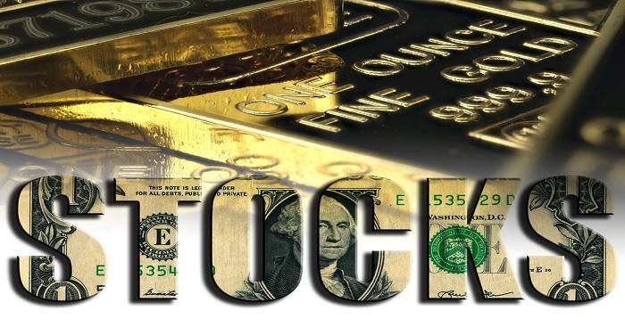 Prezzo oro ai massimi da sei mesi mentre azioni Usa crollano