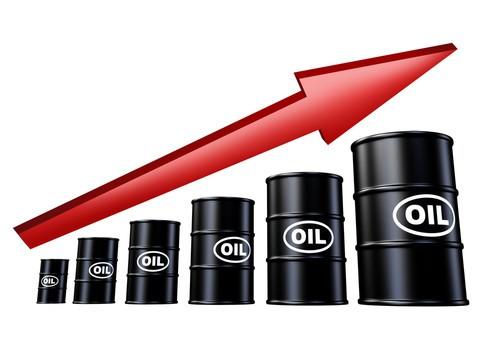 Prezzo petrolio a caccia di nuovi record, stop a Iran sarà assist per azioni Eni oggi?