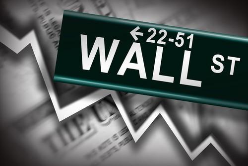 Wall Street crolla: azioni Uber e Apple travolte, effetto domino su Borsa Italiana oggi?