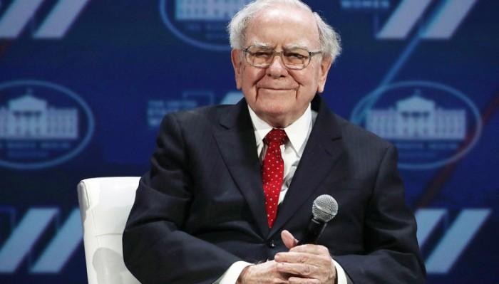 Warren Buffett compra azioni Amazon: novità nel portafoglio Berkshire Hathaway