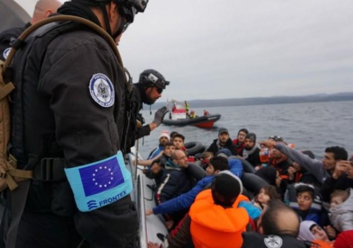 Migranti, chi li porta davvero in Italia? Ecco quanti ne arrivano con le navi delle Ong