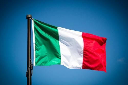 vendite al dettaglio Italia crollano a maggio, cattiva notizia per economia italiana