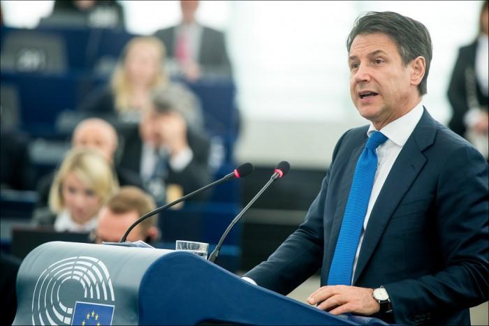 Conte bis, tappa obbligata evitare aumento IVA. Flessibilità di 10-12 miliardi dall'Europa