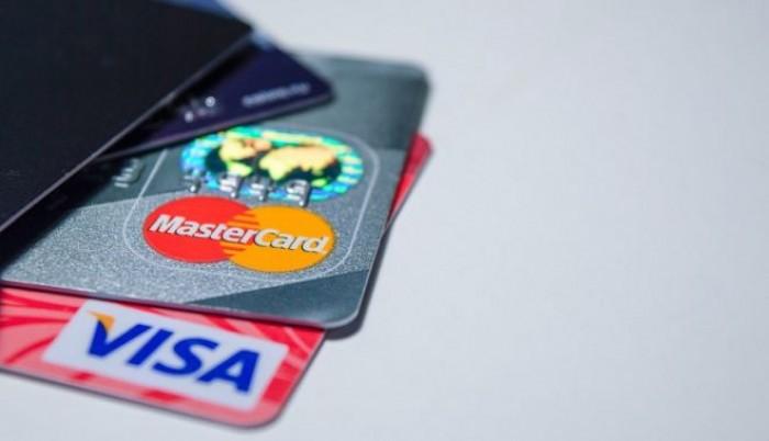 Lotta all'evasione attraverso stop al contante. Arriva la card unica per identità e pagamenti elettronici