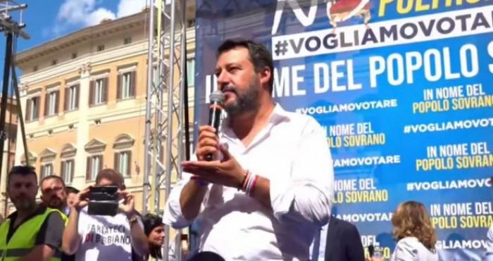Si vota la fiducia e La Lega scende in Piazza Montecitorio contro il Conte bis