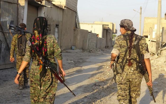 La Siria a fianco dei Curdi contro la Turchia. La mediazione della Russia non ferma Erdogan