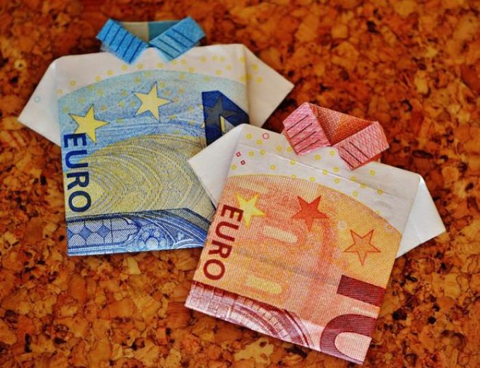 Manovra economica 2020: niente superticket, arriva invece la Carta Bimbi