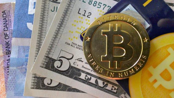 Prezzo Bitcoin VS quotazione oro: previsioni sorprendenti su capitalizzazione