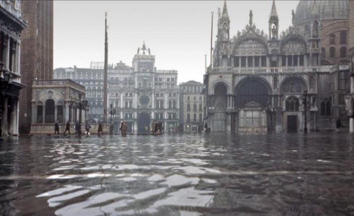 Venezia inondata e il Mose arrugginisce: l'opera è costata il triplo dell'autostrada del Sole