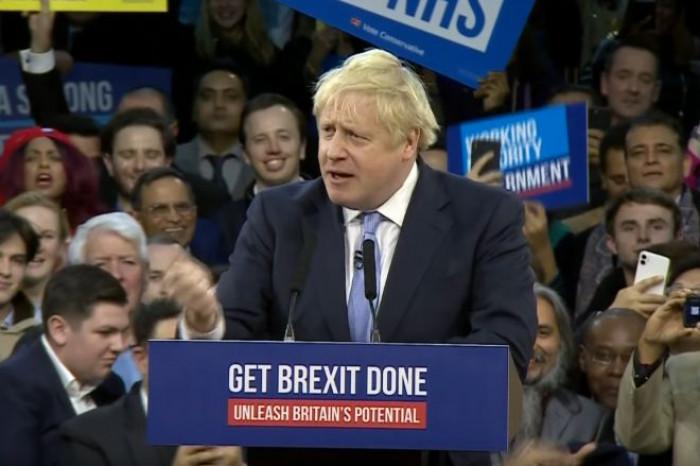 Aprono i seggi in Gran Bretagna e Johnson è ancora il favorito. I risultati delle elezioni a notte fonda