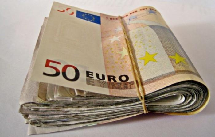 Contro l'evasione fiscale, nuove leggi sul contante. Ora quanti soldi posso portarmi dietro?