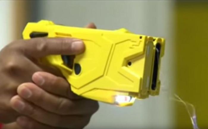 Dal Consiglio dei ministri arriva il primo via libera alla pistola taser per le forze di polizia