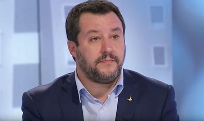 Matteo Salvini indagato per sequestro di persona? Da Italia Viva il sì al processo per il caso Gregoretti