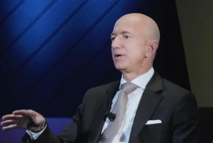 Il numero uno di Amazon dona 10 miliardi di dollari per fermare il riscaldamento globale