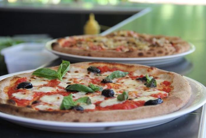 Video choc di Canal+ pizza 'Coronavirus', scatta la denuncia dell'Associazione Pizza Verace Napoletana
