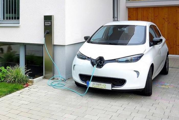 Auto elettriche ferme durante la quarantena: le precauzioni da prendere