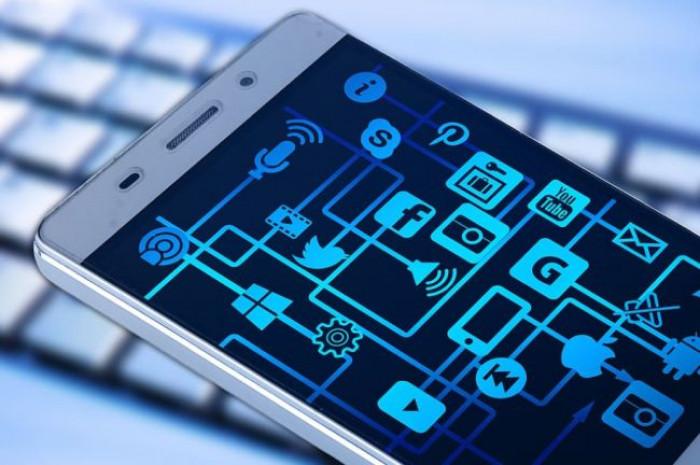 Cambia Immuni, la app per il tracciamento seguirà il modello decentralizzato di Apple e Google