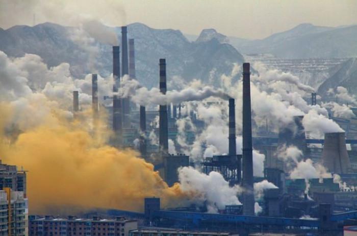 Coronavirus, le zone più colpite sono quelle più inquinate. Lo smog favorisce il contagio?