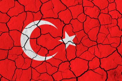 Cambio Dollaro Lira Turca crolla ai minimi storici: è alert su crisi valutaria