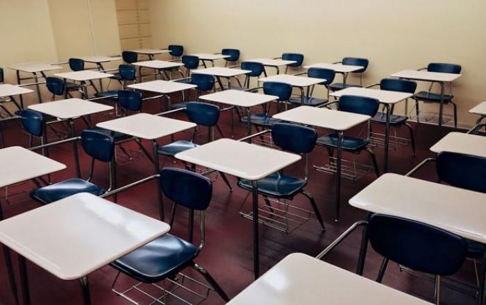 Nel documento del Cts per il ritorno a scuola, tra le misure mascherina obbligatoria e distanza tra studenti