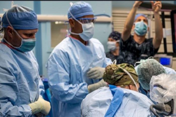 Coronavirus, in Italia l'età media dei deceduti sale ancora secondo l'Iss