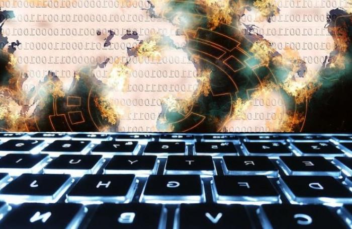 Hackerati gli account Twitter di Biden, Bloomberg, Bezos, Musk nell'ambito di una truffa sui Bitcoin