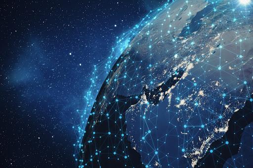 Migliaia di satelliti lanciati nello spazio per il web: ma i rischi?