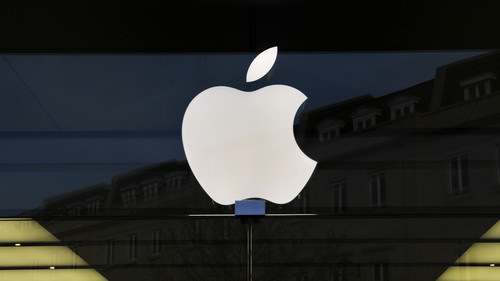 Warren Buffett sempre più ricco: comprare azioni Apple è stata una grande idea